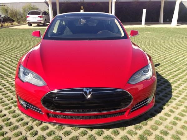 Рэппер Фаррелл Уильямс Tesla Motors